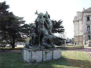 Montevidéu - Monumento em Frente à Assembleia Legislativa