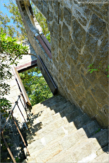 Escaleras Exteriores del Castillo Hammond en Gloucester