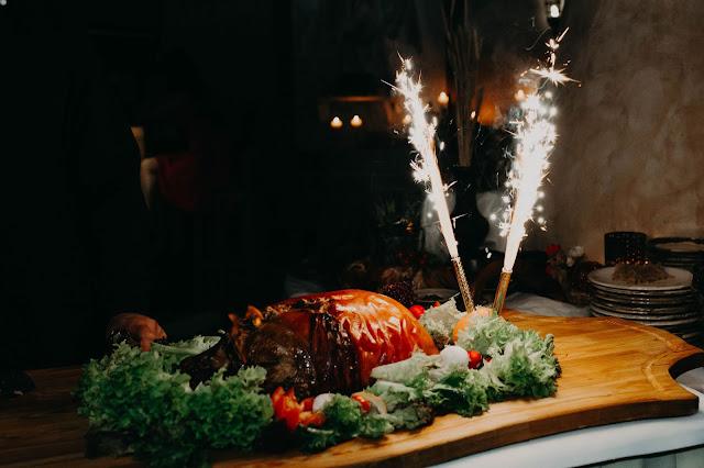 Świniak jako atrakcja na weselu