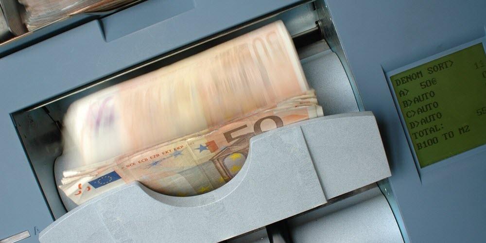 Gimeno reitera la imposibilidad de abonar en junio el 25% de la extra pendiente de 2012