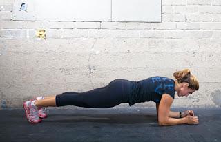 7 Keuntungan Melakukan Latihan Plank Setiap Hari