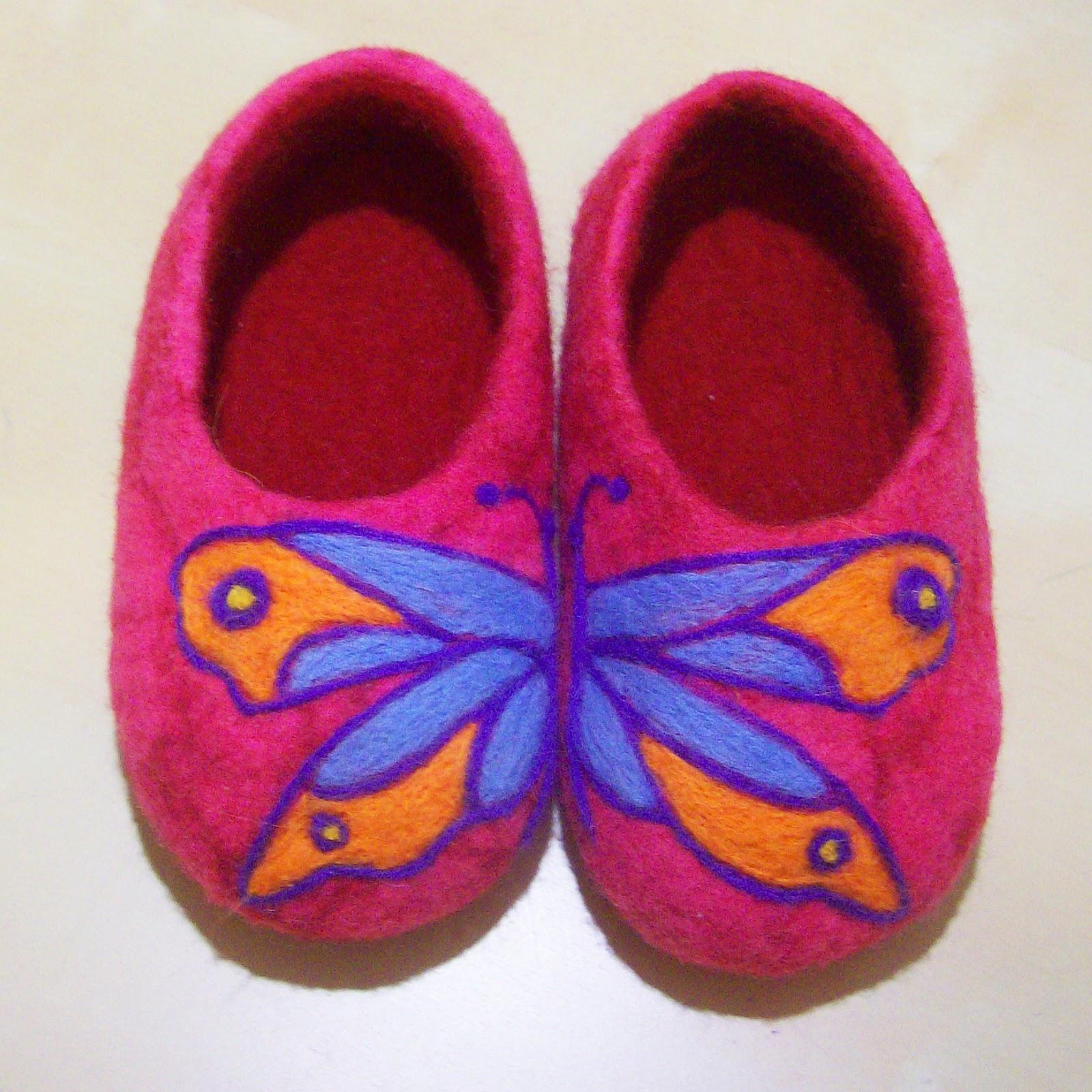 мокрое валяние по МК, тапочки - бабочки