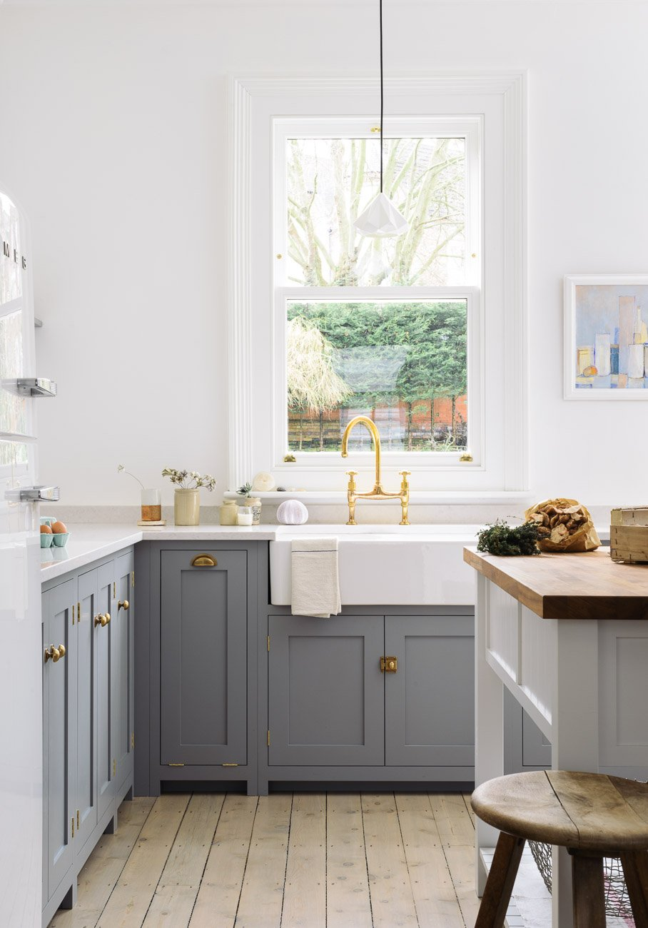 Unique Decor Inspiration An English Country Kitchen with Shaker Cabinetry