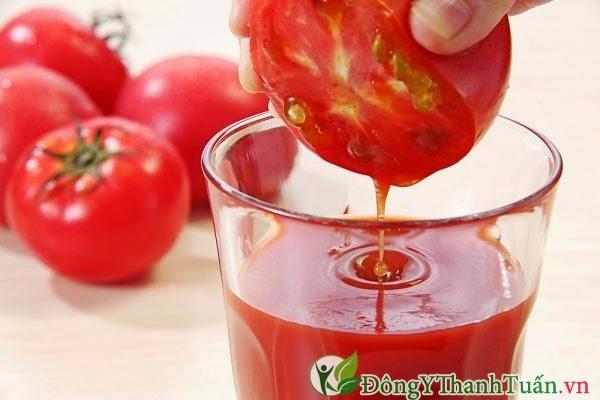 Cách trị bệnh nhiệt miệng bằng cà chua