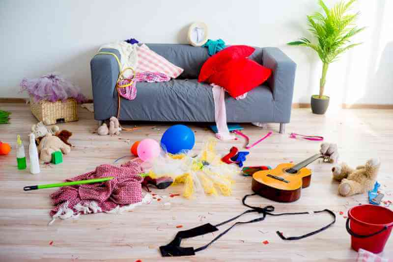 Living In A Messy And Chaotic Environment Really Causes Stress
