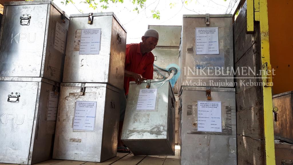 H-5 Pilgub Jateng, KPU Kebumen Distribusikan Logistik ke Kecamatan