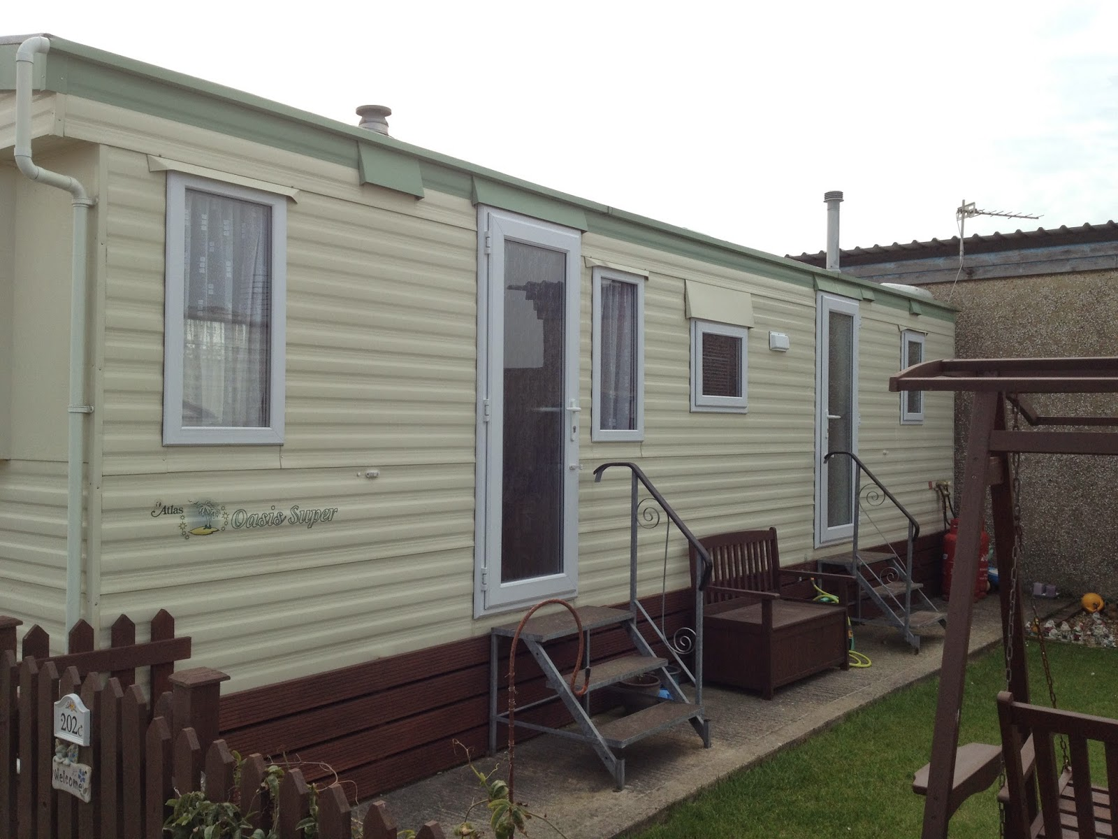 windows and doors for static caravans