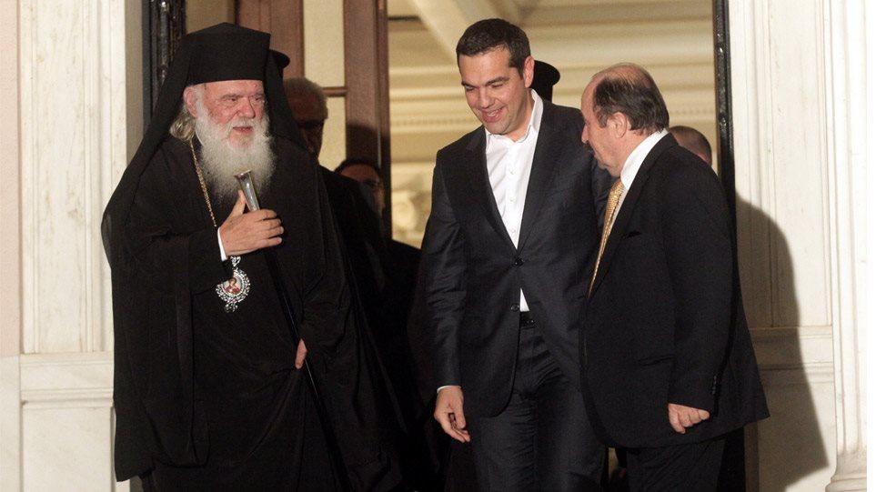 Η νίκη του κλήρου: Άτακτη υποχώρηση της κυβέρνησης για το εκκλησιαστικό
