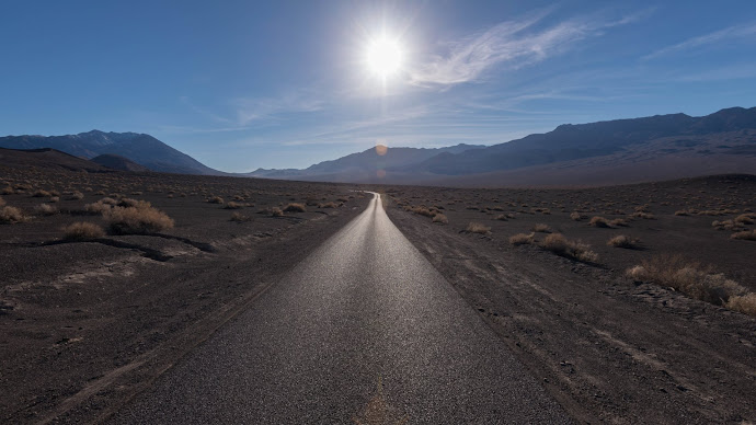Wallpaper: Road to Ubehebe Crater