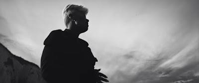 Emeli Sandé Premieres 'Hurts' Music Video