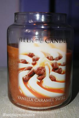 Village Candle -  Vanilla Caramel Swirl, czyli słodko dziś będzie