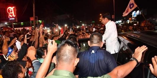 Jokowi: Coba Dicari, Presiden Mana yang Bisa Dicegat Berkali-kali?
