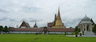 Patio exterior del Gran Palacio de Bangkok.