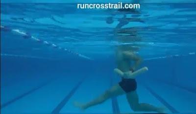 Hidroginastica - Exercícios na piscina - Abdominais runcrosstrail