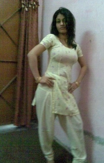 Hot lahori nude girls-5684