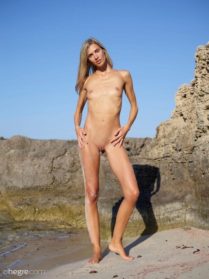 [Hegre-Art] Francy - Top Nude Model re - idols