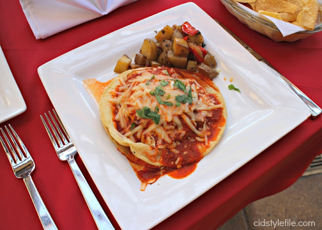 foodie, brunch, huveos racheros, downtown disney, eggs, potatoes, breakfast, mexican, gigasavvy, social club, food blogger, lifestyle
