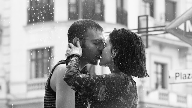Kiss in the rain by Pablo Curto