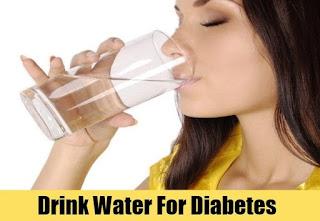 Diabetes ke mareez ko din bhar mein kitna paani peena chahiye?