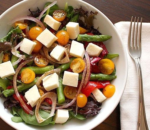 tomato mozzarella asparagus salad