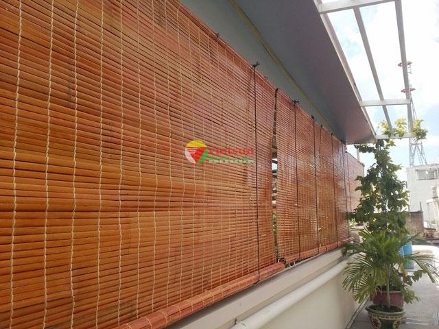 Mành nứa bảo vệ nhà bạn khỏi nắng mưa thất thường.