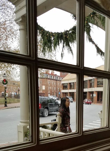 Christmas time - girl entering Reynolds Tavern
