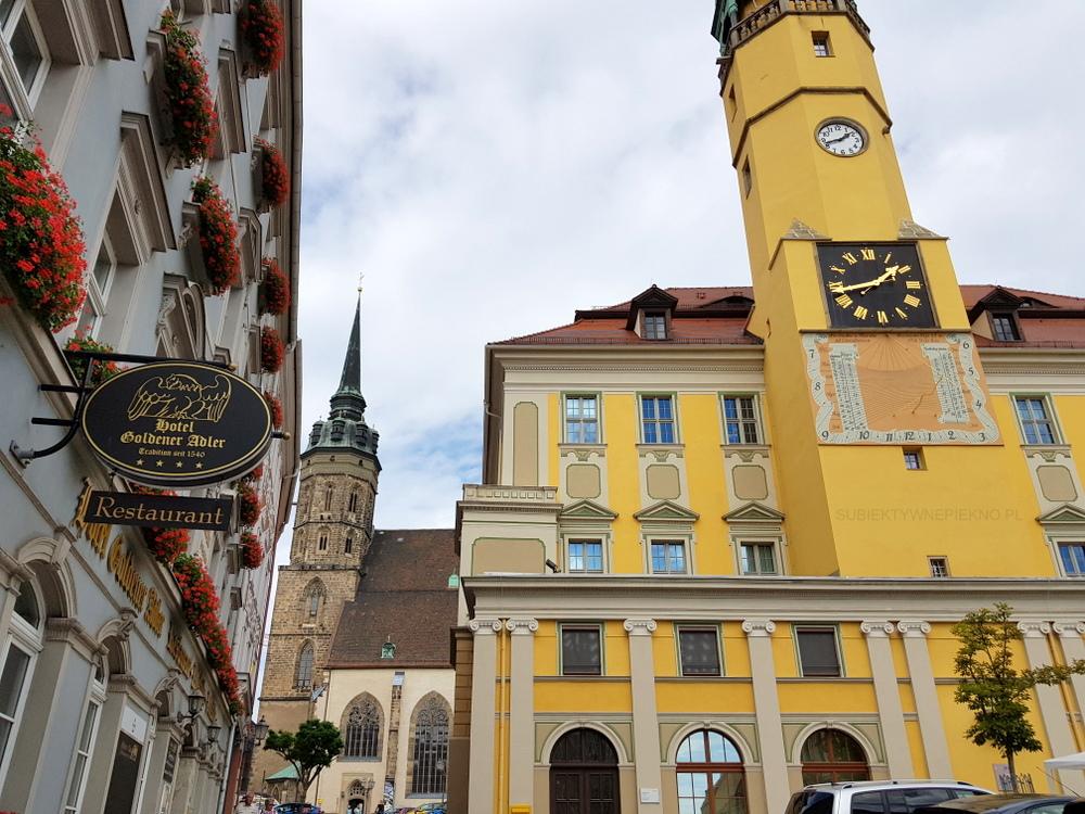 Budziszyn co zobaczyć i zwiedzić? Rynek Główny, Ratusz i Katedra św. Piotra