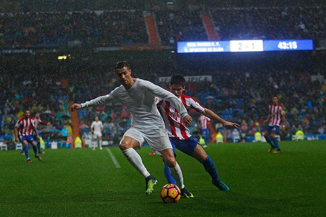 MADRID.- El Real Madrid se enfrentó al Sporting de Gijón con una  indumentaria especial y ecológica e4ed87beb6935