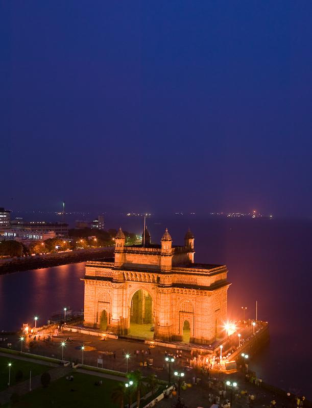 india gateway night mumbai places tourist