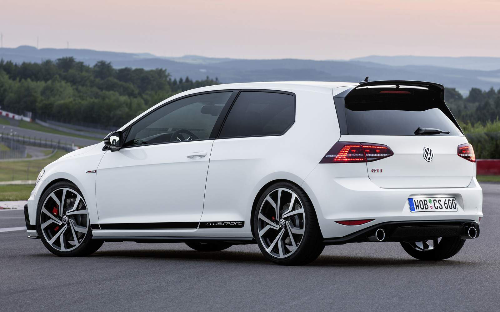 golf gti 2016 clubsport s rie comemora 40 anos do cone car blog br. Black Bedroom Furniture Sets. Home Design Ideas