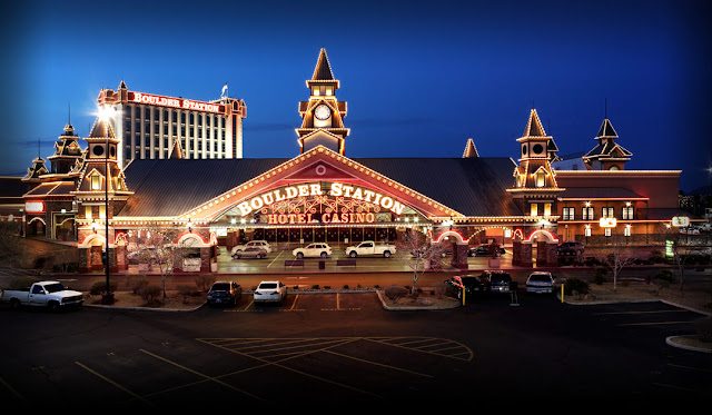 Just minutes from the Strip, Boulder Station offers the ultimate Las Vegas experience with newly renovated rooms & suites and a boutique feel.
