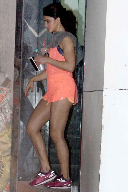 Jacqueline Fernandez Spotted at Gym In Khar