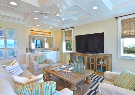 Sunny Beach Cottage Decor Ideas from a Holmes Beach House in Florida ...