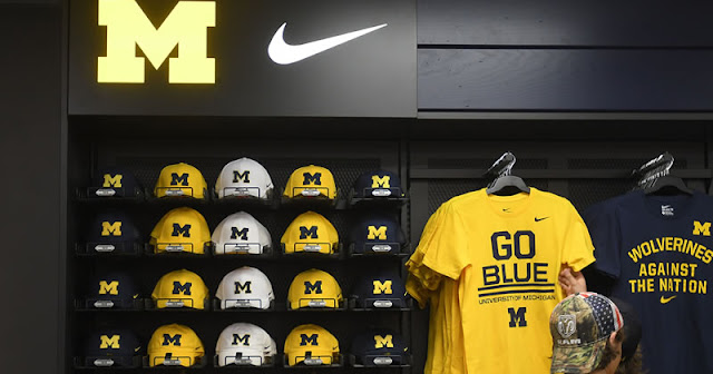 Michigan vuelve a lucir Nike en su indumentaria