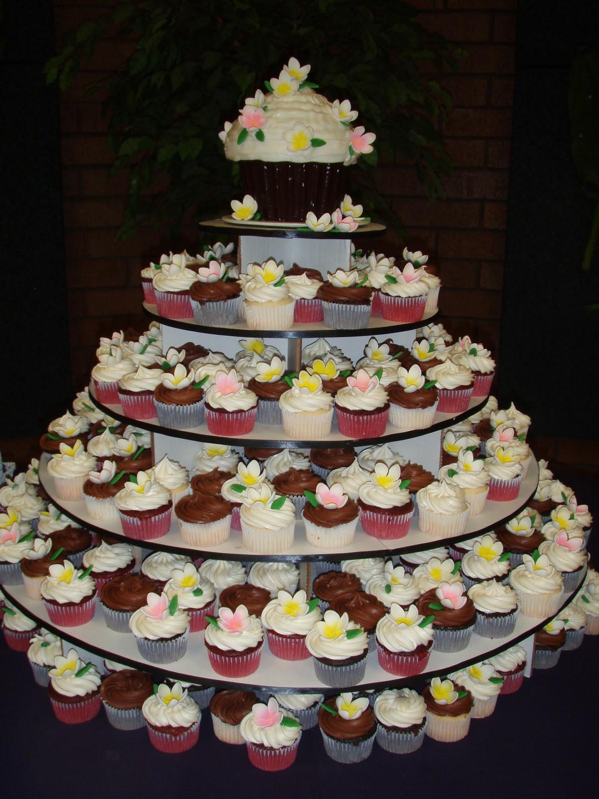 Lady Cupcake S Corner A Hawaiian Themed Wedding