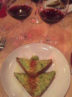 Avocado toast with Vigne Surrau Sincaru Cannonau di Sardegna