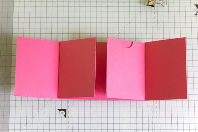 http://danipeuss.blogspot.com/2016/12/minialbum-aus-einem-bogen-cardstock.html