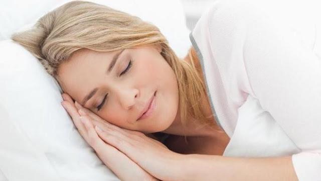 Ternyata Tidur Menghadap ke Kiri Bermanfaat Bagi Kesehatan