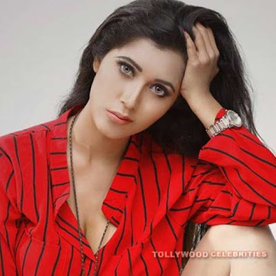 Naila Nayem Biography Husband Son Daughter Father Mother Family Photos