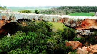 Ponte de Pedra, no Cerro do Tigre