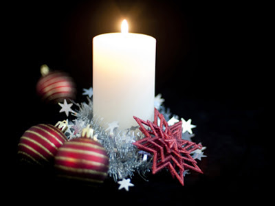 2013_Beautifull-decorated-christmas-candle-wallpapers