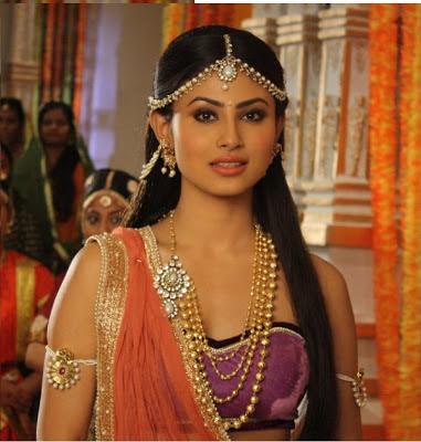 Mouni Roy- Actress as Sati in Kailasanathan Serial