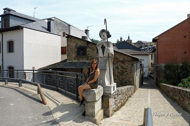 Alegoría al peregrino, puente medieval,Villafranca del Bierzo, León