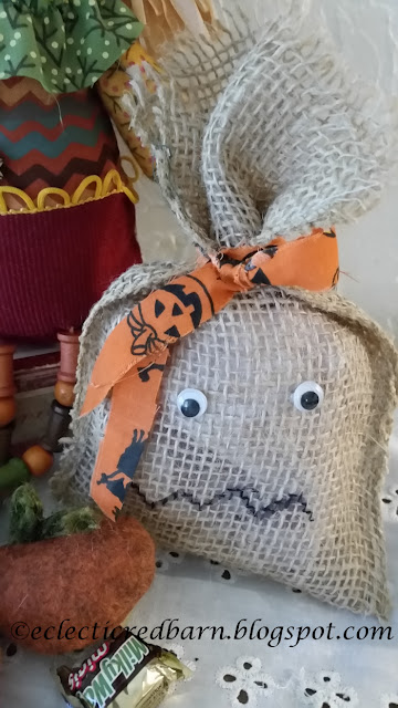 Eclectic Red Barn: Halloween Burlap Treat Bags