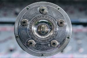 Conheça a história da Salva de Prata, o troféu da Bundesliga