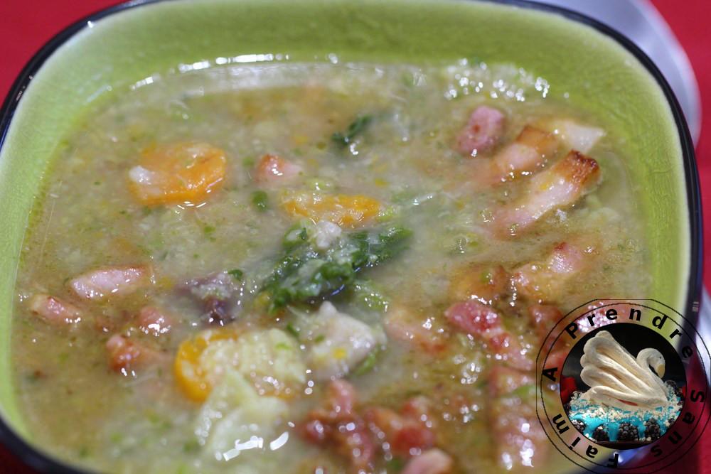 Soupe ardéchoise au chou, châtaignes et lardons