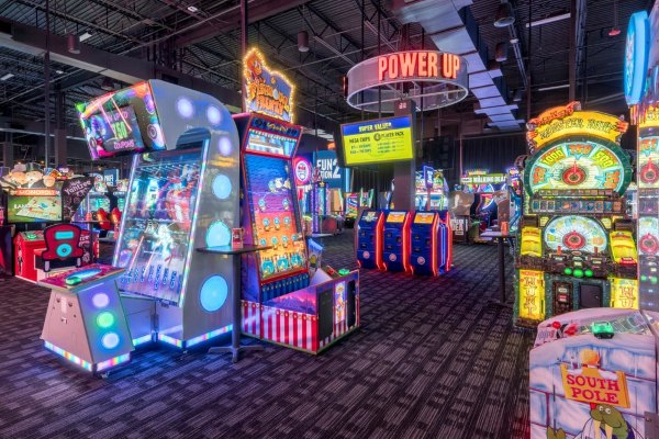 When the mother of an autistic child asked for help choosing the best time for her child to pop in, Dave and Busters arcade center did one better