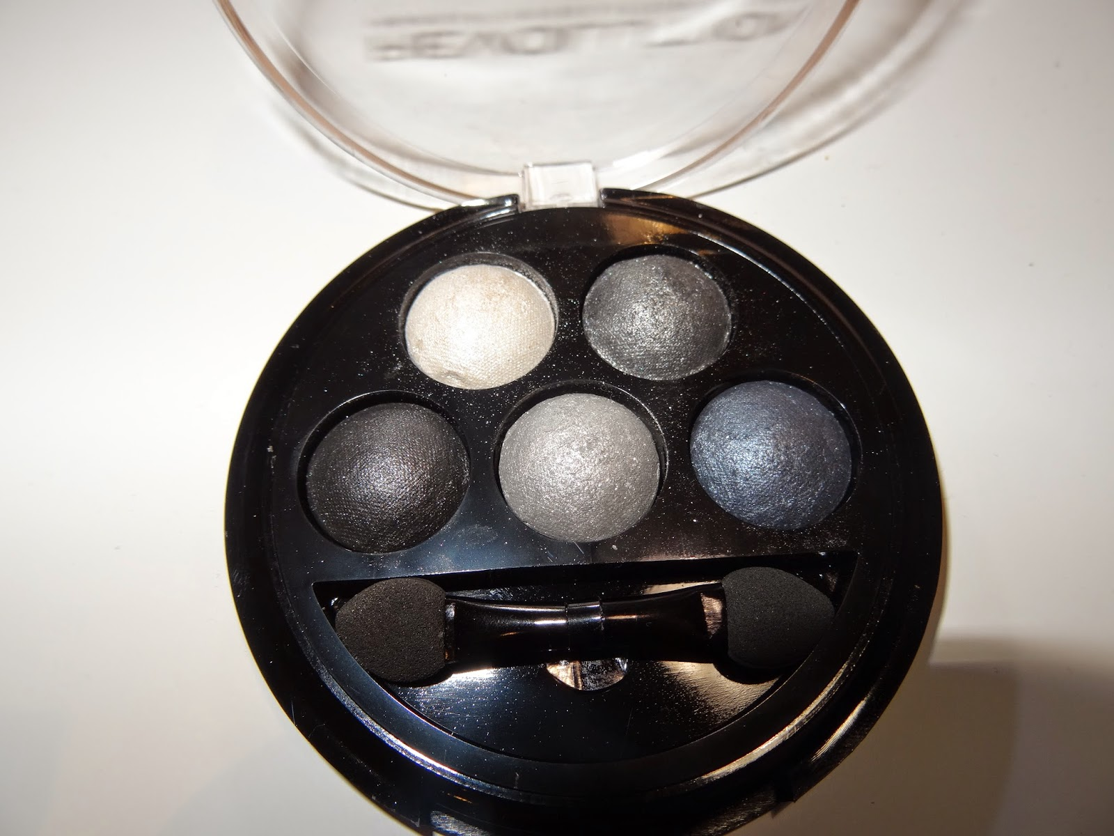 makeup revolution baked eyeshadow BANG BANG