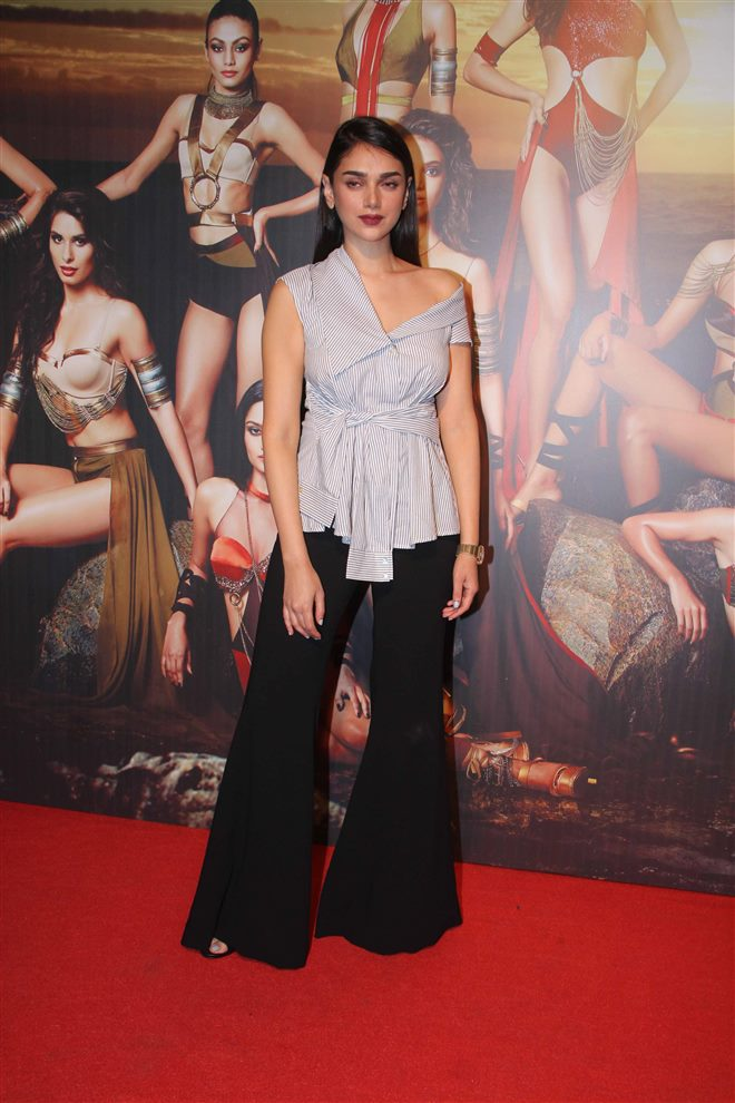 Yamaha Fascino Miss Diva Star Studded Red Carpet 2017 Event Pics