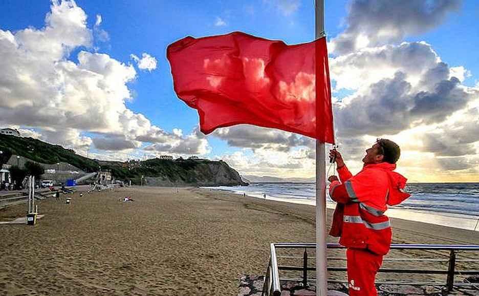 bandera roja sopela
